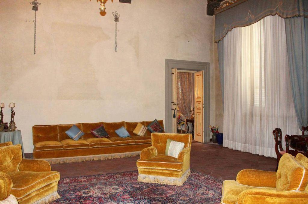 Престижный 560 кв.м. квартира для продажи Via San Gemma Galgani, 36, Лукка, Тоскана