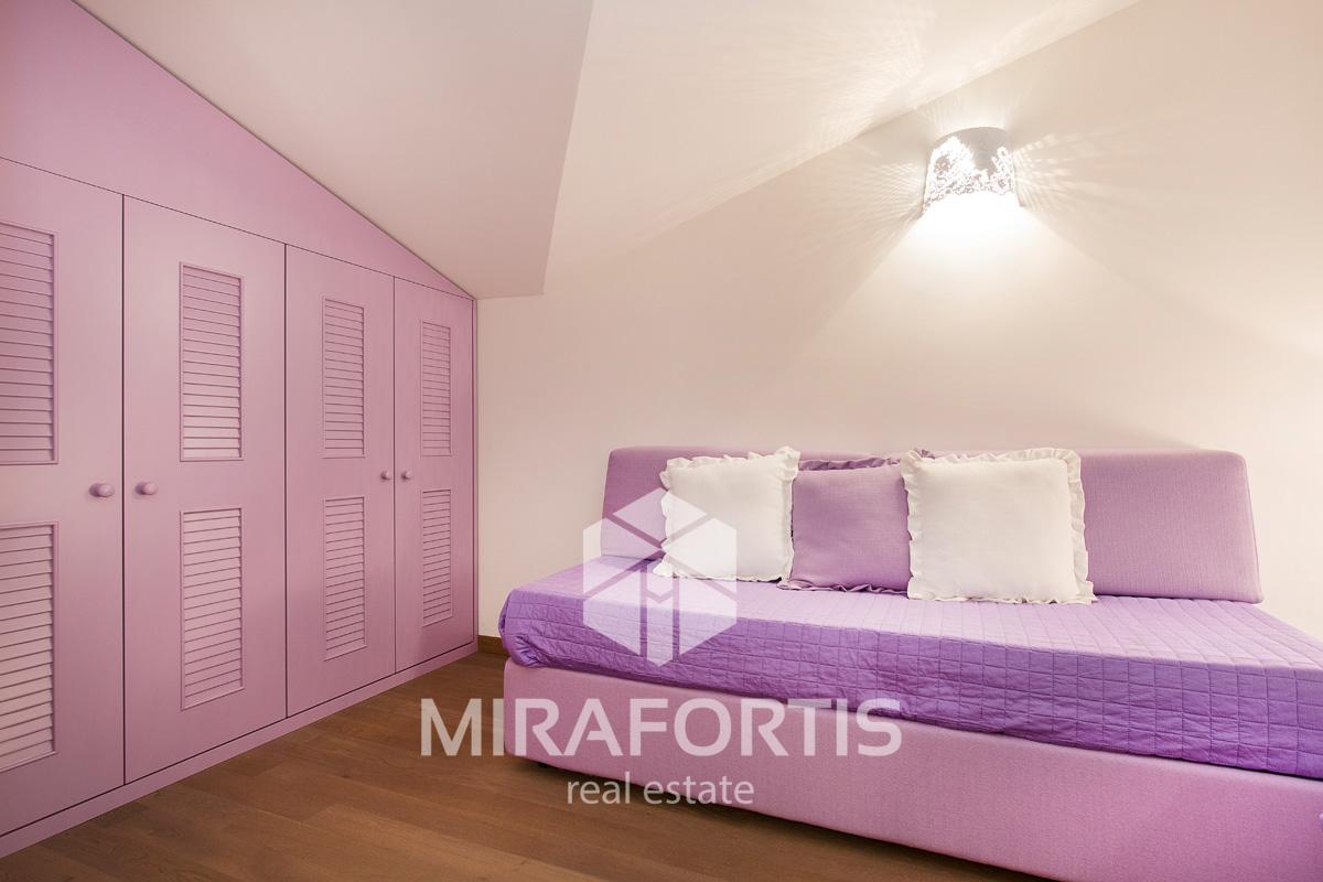 Светлые апартаменты в Алассио